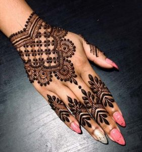 Mehndi Designs in Simple