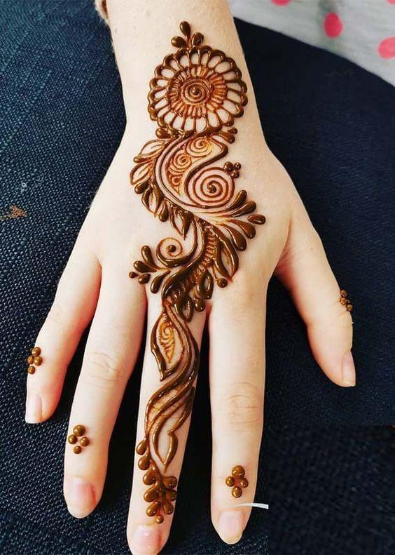 Mehndi Designs in Simple