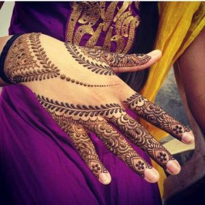Simple Mehendi Designs for Hands