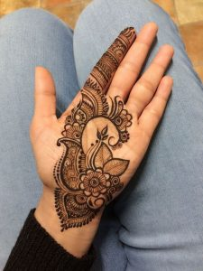 Simple Mehndi Designs For Front Hands