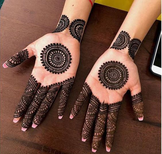 Round Shape Mehndi Design